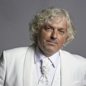 Diriģents Andris Veismanis gribēja būt estrādes dziedātājs, bet izvēlējās klasisko mūziku