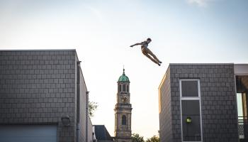 Re Rīga - maģija, akrobāti un cirks Rīgas ielās