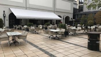 Aktuāli: restorānu un kafejnīcu terases sāk darbu, ar bažām gaida 9. maiju
