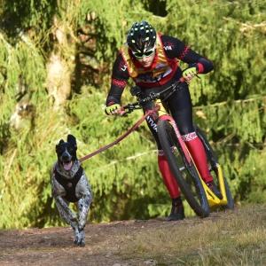 Pasaules kausa ieguvējs kamanu suņu sportā Alens Zvilna
