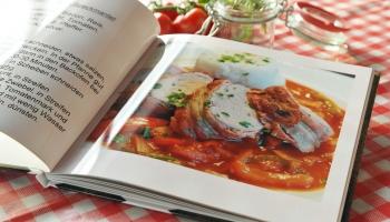 Гастропоэтика: книга как пища - духовная и физическая