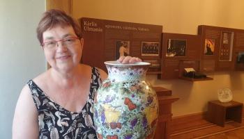 """""""Dauderu"""" muzejā keramiķe Inese Brants rāda darbus izstādē """"Vecmāmiņas glemūrs"""""""