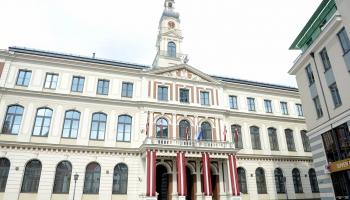 Eksperts: Rīgas kapitālsabiedrībām jāmeklē no partijām brīvs izpilddirektors