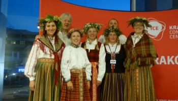 """Latvijas mūziķi pasaulē. """"Laiksne"""" Eiroradio tautas mūzikas festivālā Krakovā"""