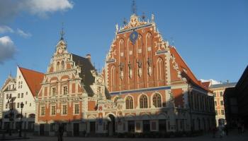 21. maijs. Rīgā sāk atjaunot Melngalvju namu