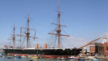 """29. decembris. Londonas Īstendas dokos nolaida ūdenī britu karakuģi """"Warrior"""""""