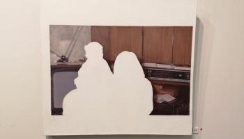 Kristas Dzudzilo realitātes lausku atveidojumi uz audekla un betona lējumos