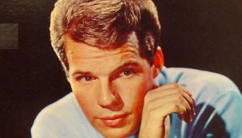 20. gadsimta 60. gadu pusaudžu elks Bobijs Vī