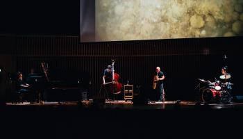 """Vestards Šimkus un apvienība """"Endless Roar"""" koncertzālē """"Latvija"""""""
