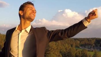 Dziedātājs un dziesmu autors Ainārs Bumbieris un viņa 30 DIENU IZAICINĀJUMs