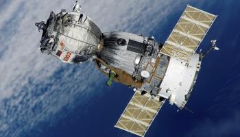 Искусственные спутники Земли: коллапсов не будет?