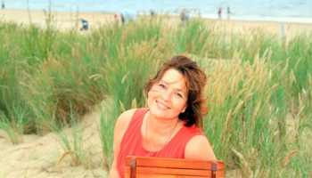 Ирина Ванглер: по жизни я - пионервожатая