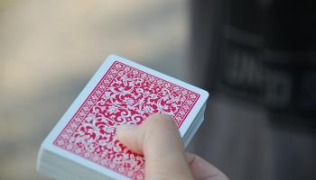 Grozījumi vairākos likumos ierobežos nelicencēto interneta azartspēļu rīkotājus