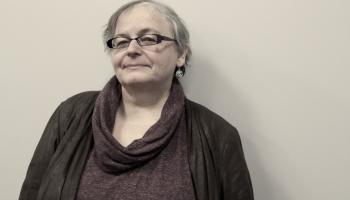 """Edīte Tišheizere: izdevums """"Neatkarības laika teātris"""" parāda Latvijas teātra daudzveidību"""