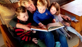 Ko tu tagad lasi? Klausītāji stāsta par grāmatām uz naktsgaldiņa. 7. stāsts