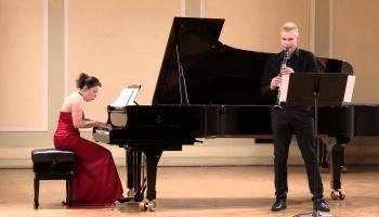 """Jēkaba Mediņa """"Menuets"""".  Mārtiņš Circenis (klarnete) un Agnese Egliņa (klavieres)"""