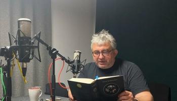 """Romānā """"Pasaules vēsture"""" Pauls Bankovskis aicina lasītāju ienirt citā realitātē"""