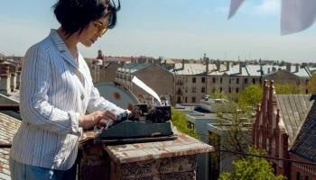 Елена Тонова: Моё дело - придумывать себе новое дело