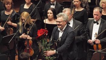 """Latviešu simfoniskās mūzikas lielkoncerts, """"Mīlestības mūzika"""" un pianists Mao Fudzita"""