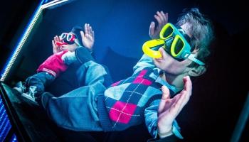 """Leļļu teātris Polijā: Melnā kaste viesojas festivālā """"Puppet no Puppet"""""""
