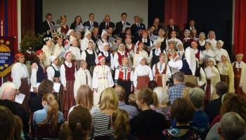 Sadziedājām ar Stokholmas un Minsteres latviešu koriem
