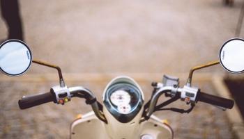 Nākamgad Rīgā būs pieejami nomājami motorolleri