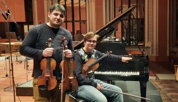Daniils Bulajevs un Georgs Sarkisjans duetu koncertā Lielajā ģildē un radio tiešraidē