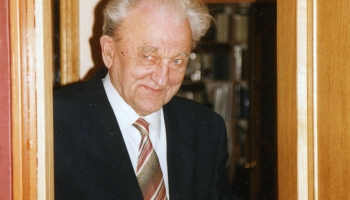 Latviešu vijolnieku zieda skolotājam Ojāram Kalniņam - 90