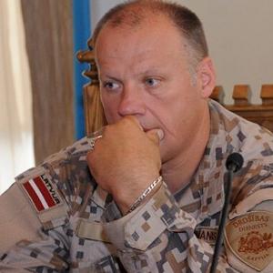 Министр обороны: служить в армии выгодно и престижно