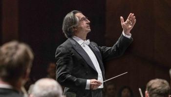 """Zalcburgas festivāls: Ludviga van Bēthovena """"Missa Solemnis"""" maestro Rikardo Muti vadībā"""