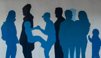 Kā krīze izgaismo nevienlīdzību: sabiedrības grupas, kas paliek nesadzirdētas