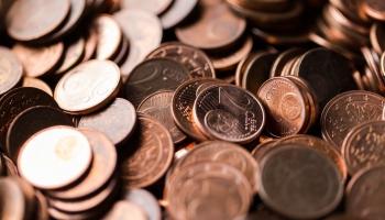 Latvijas ekonomika: Ko ieilgusi dīkstāve nozīmētu uzņēmumiem un to darbiniekiem