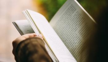 """Книжный вторник: проект """"Хлеб или книга"""" и новинка от Наталии Кетнере"""