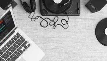 Aptauja: 52% Latvijas iedzīvotāju mūziku klausās ikdienā, daudzi izmanto radio