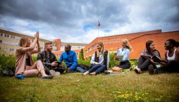 Даугавпилсский университет: иностранных студентов стало почти в десять раз меньше