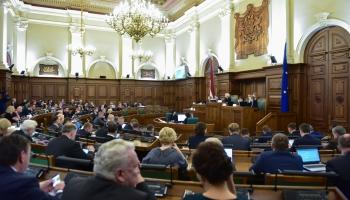 Par politiskajiem procesiem Rīgas Domē un parakstu vākšanas iniciatīvu Saeimas atlaišanai