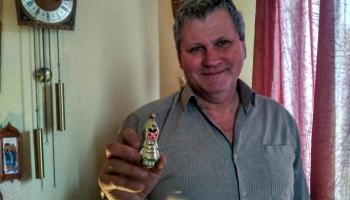 Andra Turlaja senlietu kolekcijā ir ap 1000 Ziemassvētku rotājumiem