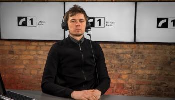 Krustpunktā Brīvais mikrofons ar Valmieras drāmas teātra aktieri Mārtiņu Meieru