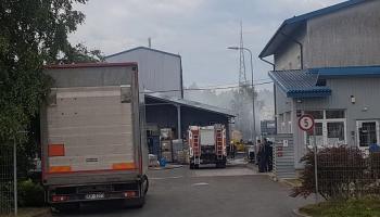 Olainē atkritumu savākšanas teritorijā naktī izcēlies bīstams ugunsgrēks
