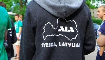 """Projekts """"Sveika, Latvija!"""" - izglītojošs ceļojums, kopības sajūta un jauni draugi"""