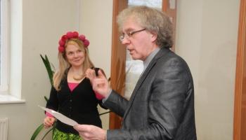 Somu dzejniece Heli Lāksonena un atdzejotājs Guntars Godiņš dosies dzejas ceļojumā
