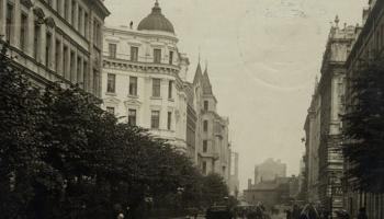 Šķērsām Antonijas ielai Rīgā