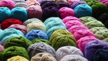 От берёзовых листьев - до грибов: оригинальные способы окраски шерсти