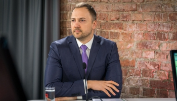 Krustpunktā izvaicājam iekšlietu ministru Sandi Ģirģenu