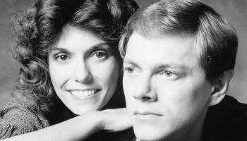 """Duets """"The Carpenters"""" - viena no populārākajām amerikāņu 70. gadu popmūzikas grupām"""
