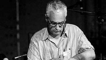 """""""Jaunās sarežģītības"""" komponista Ričarda Bareta darba radio pirmatskaņojums"""