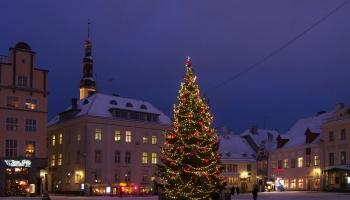 Ziemassvētku pastkarte no senās Tallinas