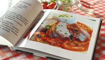 Pavārgrāmatas 90.gados. Jauni ēdieni, jauni produkti