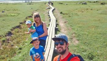 Lielpēteru ģimenes brīvdienu rituāls - pārgājiens kopā ar bērniem