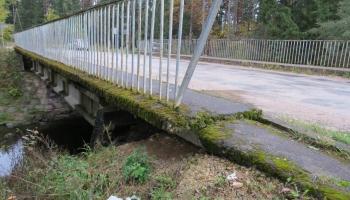 Valsts kontrole ceļ trauksmi par pašvaldības tiltu drošību
